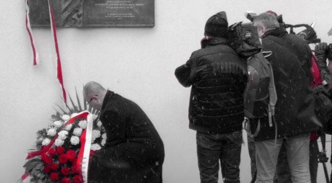 Pod Wawelem odsłonięto tablicę upamiętniającą ofiary tzw. Operacji Polskiej NKWD